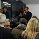 Caspar Schärer, Vizepräsident Architekturforum Zürich, eröffnet die Ausstellung.